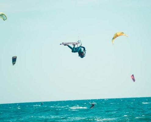 kitesurfen, montenegro, kiteschule, kiteriders, freestyle, big air